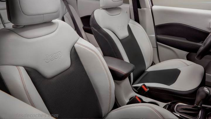 Interior Jeep Compass 2017
