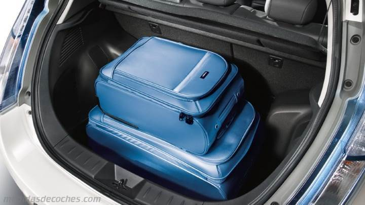 Medidas Nissan Leaf 2013, maletero e interior
