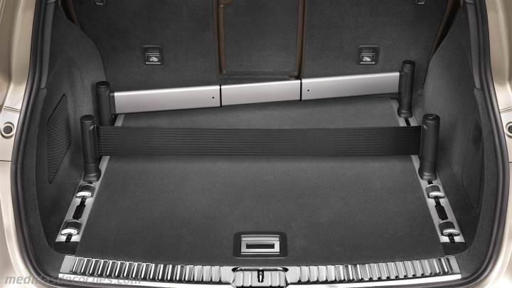 Medidas Porsche Cayenne 2015, maletero e interior
