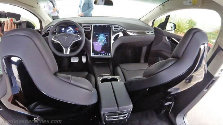 medidas tesla model x 2016 maletero e interior. Black Bedroom Furniture Sets. Home Design Ideas