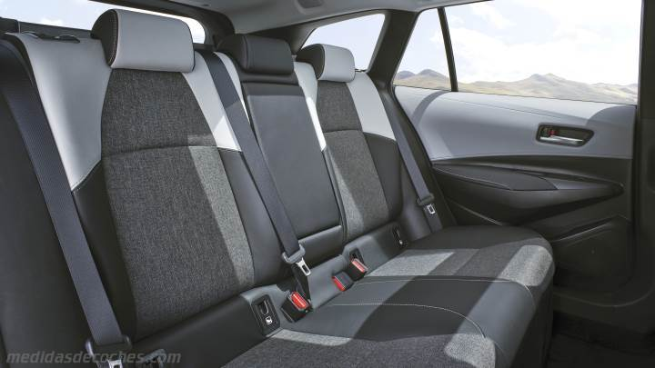 Interior Toyota Corolla Touring Sports 2019