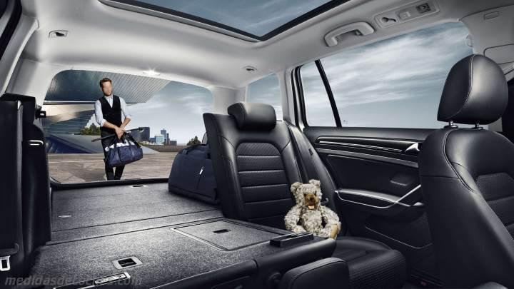 Medidas volkswagen golf variant 2013 maletero e interior for Interior golf variant