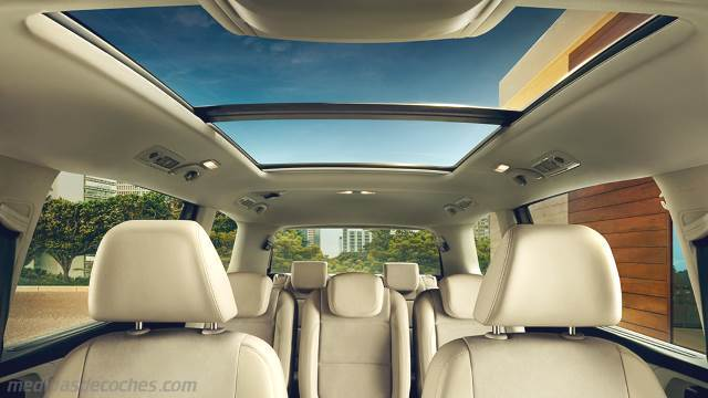 Interior Volkswagen Sharan 2015